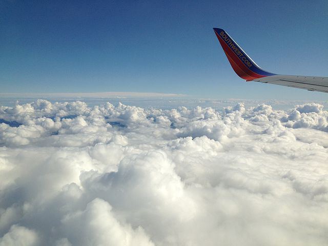 Airplane_Window_View_3_2013-04-01