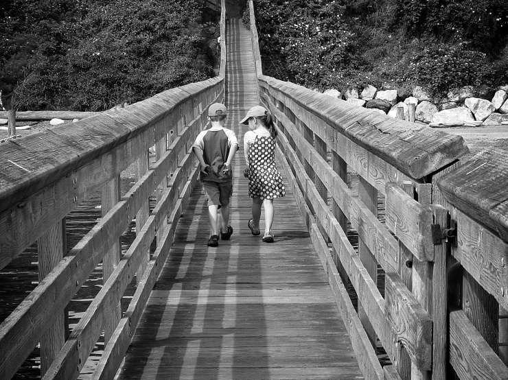 Ryan and his cousin Emma walking from Grandpa's boat to Orcas Island.